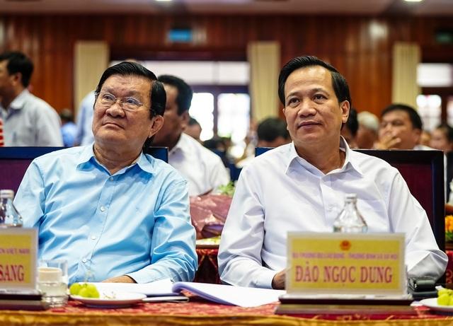 Bộ trưởng Đào Ngọc Dung tặng 300 triệu đồng giúp người có công xây nhà - 6