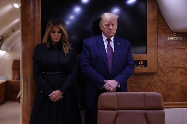 Ông Trump ca ngợi 40 người hùng đối đầu những kẻ khủng bố vụ 11/9 - 8