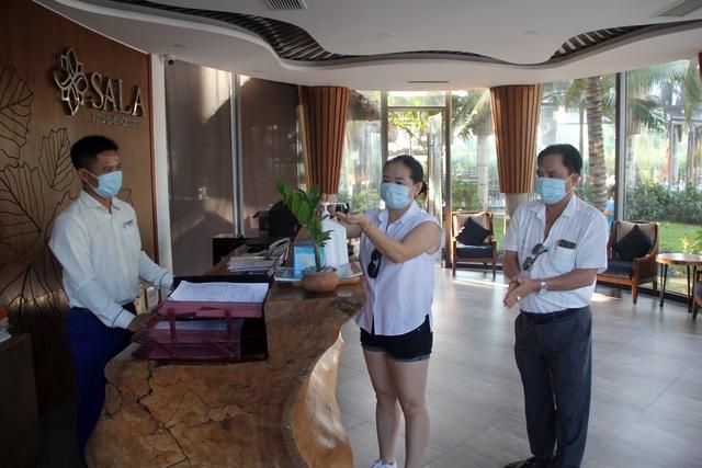 """Phú Yên chưa """"nới lỏng"""" y tế đối với du khách đến từ vùng dịch - 2"""