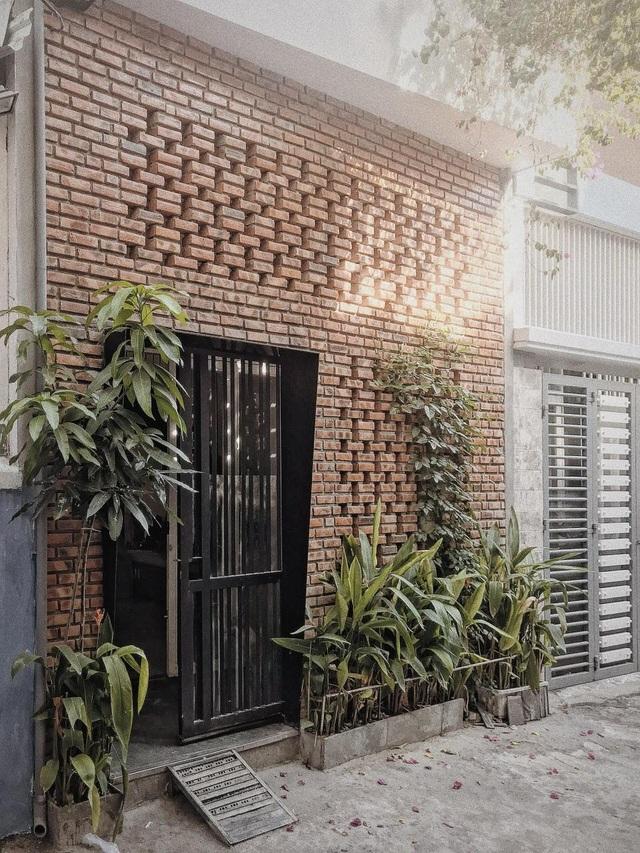 Chi ra 400 triệu đồng, cặp vợ chồng trẻ ở Đà Nẵng cải tạo nhà nát đẹp mê ly - 1