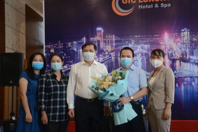 Những y, bác sĩ tình nguyện cuối cùng rời Đà Nẵng - 1