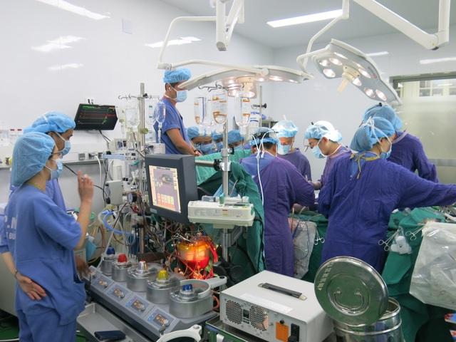 PGS.TS Nguyễn Hữu Ước chia sẻ về khó khăn ghép tim cho bệnh nhân nghèo - 3