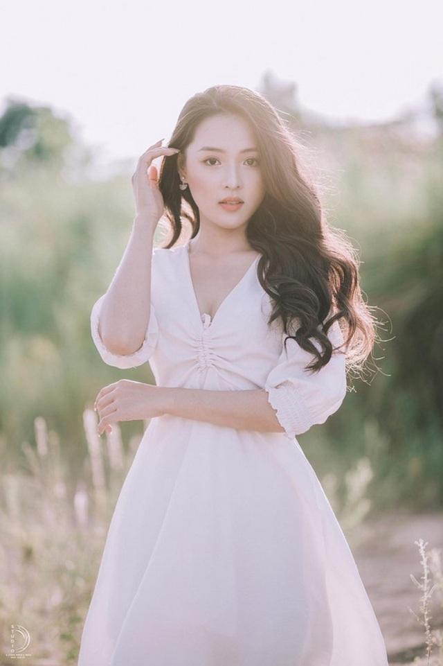 Nữ sinh Phú Yên đẹp như nàng thơ sau khi giảm tới 22kg - 1