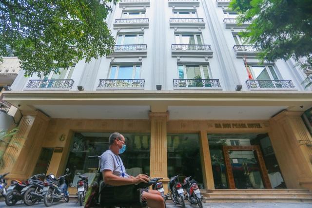 Buốt ruột vì vắng khách, chủ khách sạn phố cổ Hà Nội rao bán trăm tỷ đồng - 7