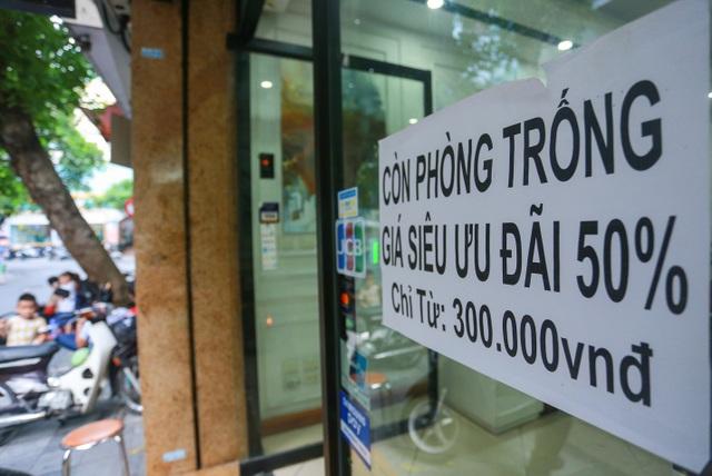 Buốt ruột vì vắng khách, chủ khách sạn phố cổ Hà Nội rao bán trăm tỷ đồng - 9
