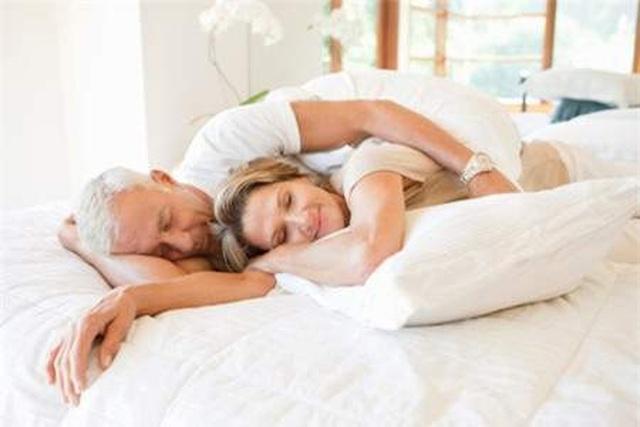 U70 đòi ly hôn vì chuyện... giường chiếu - 2
