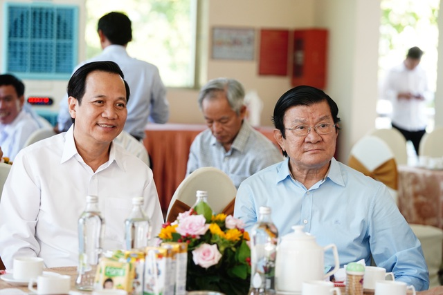 Bộ trưởng Đào Ngọc Dung tặng 300 triệu đồng giúp người có công xây nhà - 9