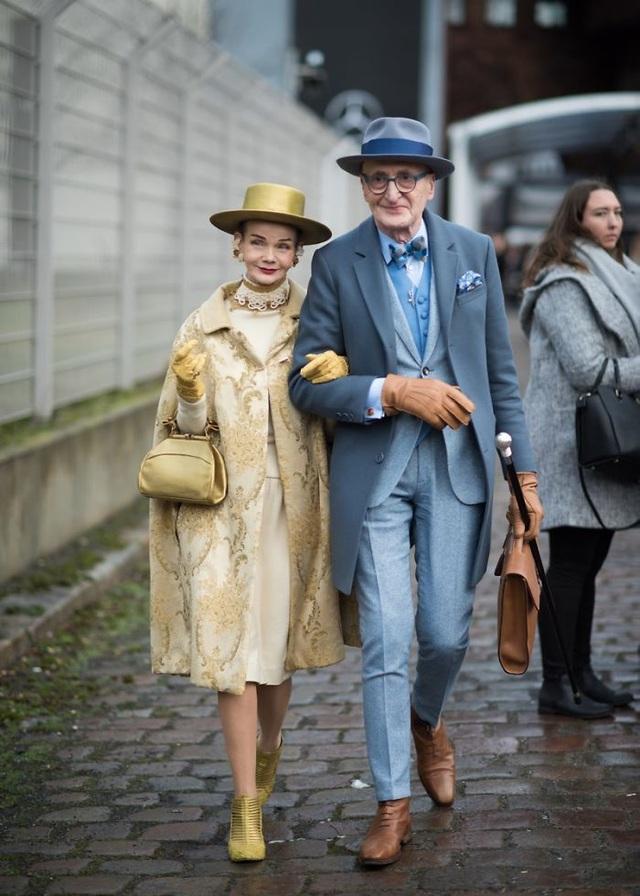 """Hai ông bà cụ gây sốt mỗi lần xuống phố vì ăn mặc quá... """"bảnh"""" - 19"""