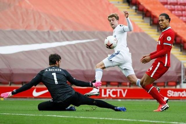 Liverpool 4-3 Leeds: Màn rượt đuổi tỉ số nghẹt thở - 4