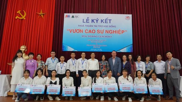 """MM Mega Market Việt Nam khởi động chương trình học bổng """"Vươn Cao Sự Nghiệp"""" - 3"""
