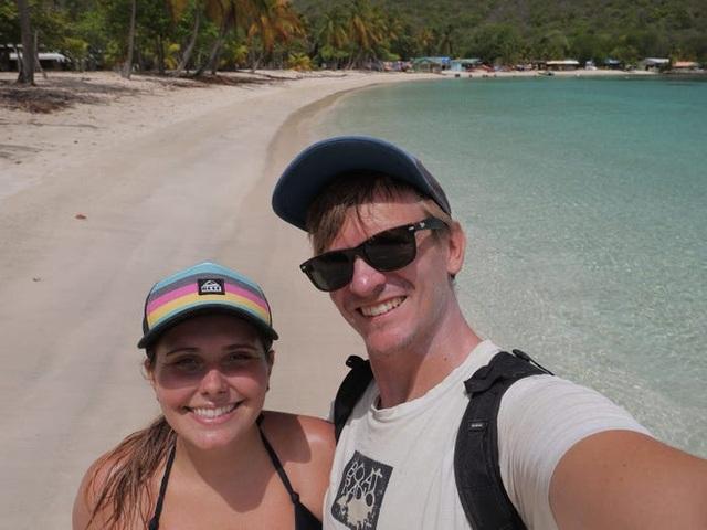 """Hành trình 25 ngày xuyên Đại Tây Dương """"không như mơ"""" của cặp vợ chồng trẻ - 1"""