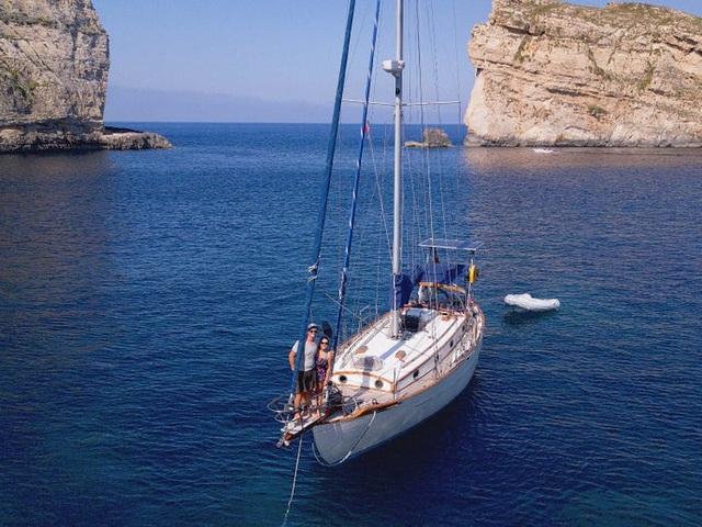 """Hành trình 25 ngày xuyên Đại Tây Dương """"không như mơ"""" của cặp vợ chồng trẻ - 3"""