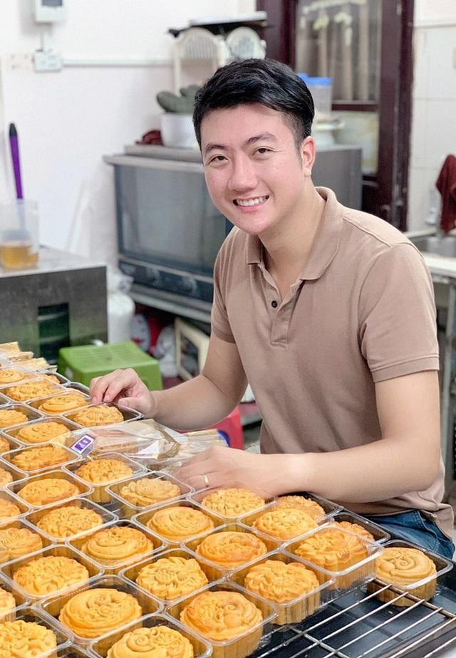 Anh chàng đẹp trai đam mê làm bánh, mỗi tháng bỏ túi 60 triệu đồng - 2