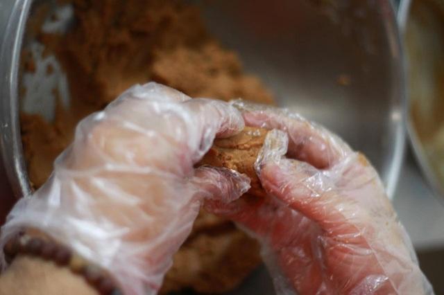 Anh chàng đẹp trai đam mê làm bánh, mỗi tháng bỏ túi 60 triệu đồng - 5
