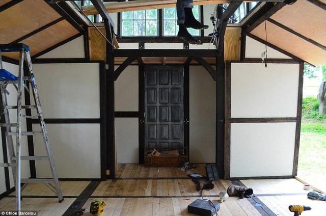 Vợ chồng trẻ đi nhặt phế liệu thiết kế thành ngôi nhà đẹp không ngờ - 2