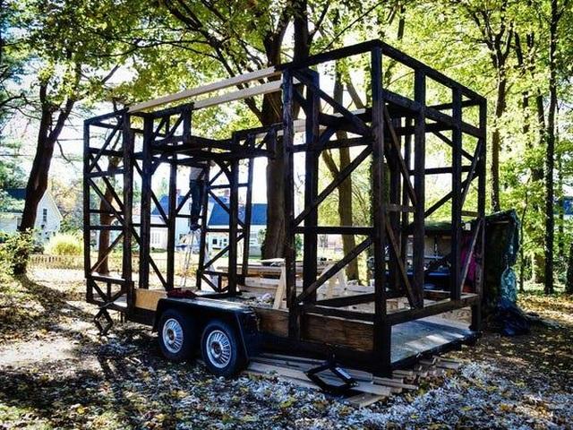Vợ chồng trẻ đi nhặt phế liệu thiết kế thành ngôi nhà đẹp không ngờ - 9