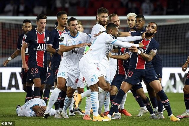 Neymar đứng trước nguy cơ bị cấm thi đấu 7 trận - 2