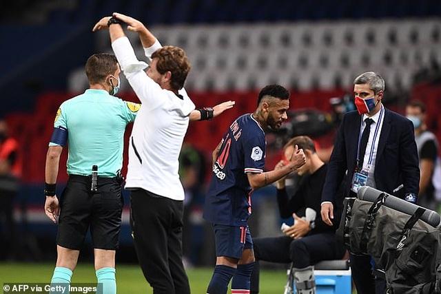 Neymar đứng trước nguy cơ bị cấm thi đấu 7 trận - 1
