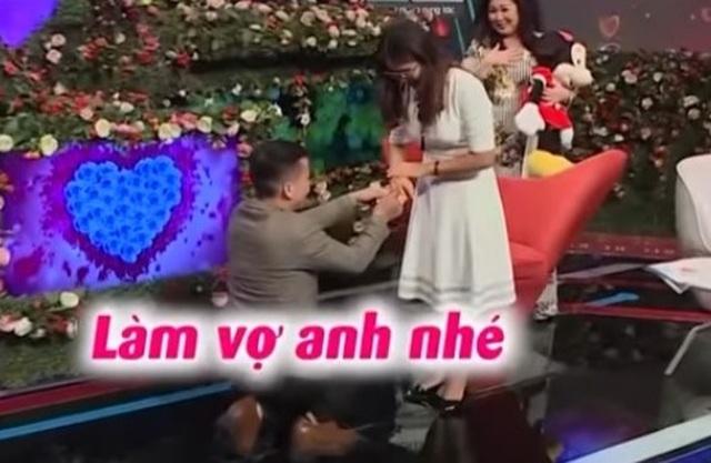 Cô gái chưa từng yêu ai được anh giám đốc quỳ gối cầu hôn trong show hẹn hò - 2