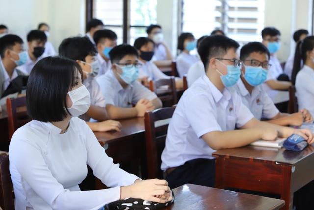 Ngày đầu học sinh Đà Nẵng đến trường: Siết chặt phòng, chống dịch Covid-19 - 6