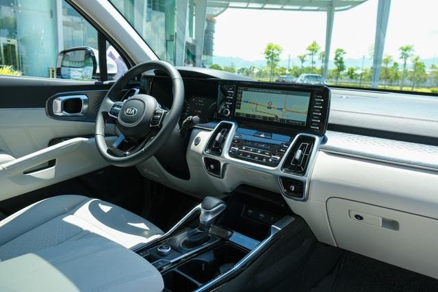 Details Kia Sorento 2021: What Korean car has with the highest price of 1,349 billion?  - 6