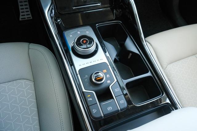 Details Kia Sorento 2021: What Korean car has with the highest price of 1,349 billion?  - 4