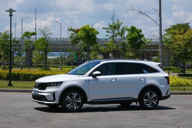 Details Kia Sorento 2021: What Korean car has with the highest price of 1,349 billion?  - 2