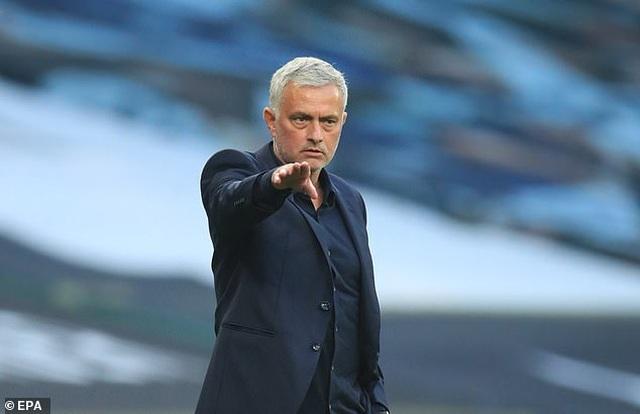 Khi HLV Mourinho không còn là Người đặc biệt - 1