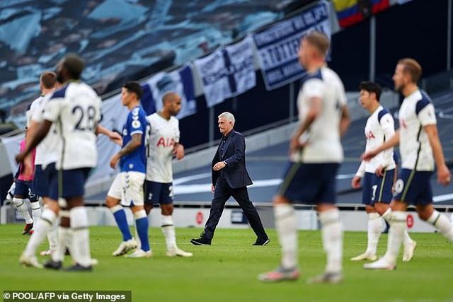 Khi HLV Mourinho không còn là Người đặc biệt - 4