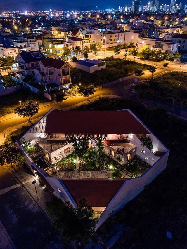Gia đình ở Nha Trang làm nhà vườn kiểu Bắc Bộ ngập cây xanh, đẹp hiếm có - 2
