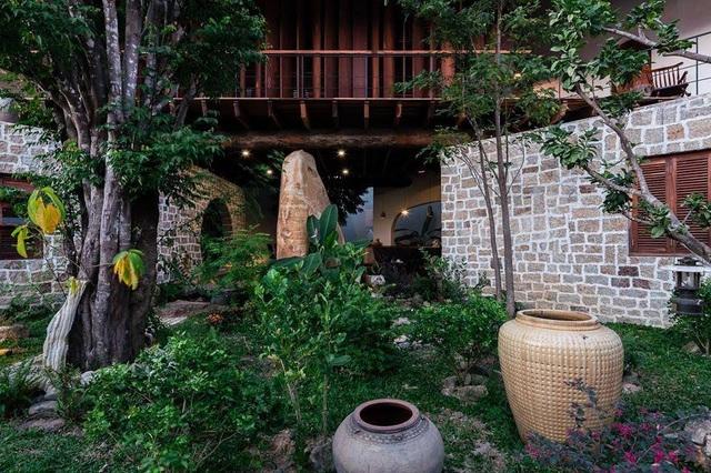 Gia đình ở Nha Trang làm nhà vườn kiểu Bắc Bộ ngập cây xanh, đẹp hiếm có - 4