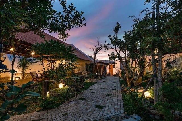 Gia đình ở Nha Trang làm nhà vườn kiểu Bắc Bộ ngập cây xanh, đẹp hiếm có - 5