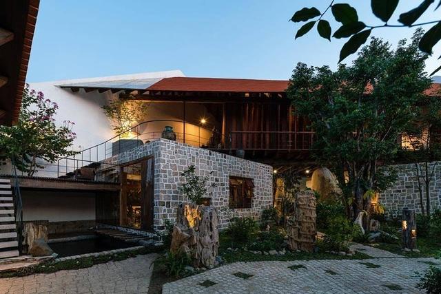 Gia đình ở Nha Trang làm nhà vườn kiểu Bắc Bộ ngập cây xanh, đẹp hiếm có - 6
