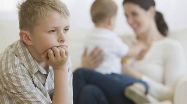 7 cách giúp cha mẹ dạy trẻ vượt qua sự ghen tỵ - 1