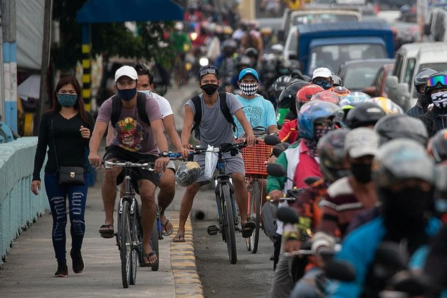 People in Southeast Asia with the most Covid-19 cases rush to buy bicycles - 1