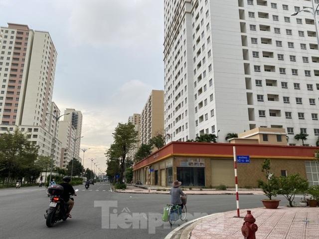 Xót xa chục ngàn căn hộ tái định cư bỏ không lãng phí ở Sài Gòn - 1