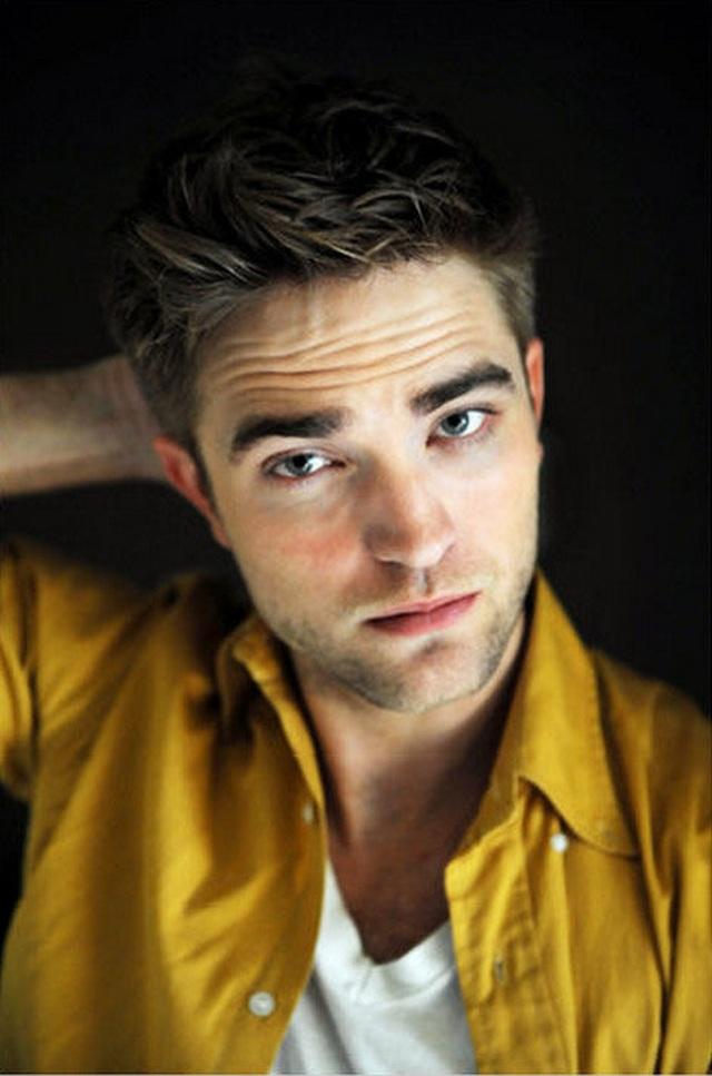 """Robert Pattinson: Từ soái ca """"Chạng vạng"""" tới tài tử hạng A Hollywood - 1"""
