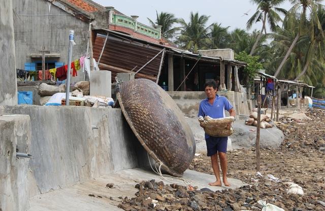 Đầu tư kè biển gần 22 tỷ đồng bảo vệ dân sau phản ánh của báo Dân trí - 3