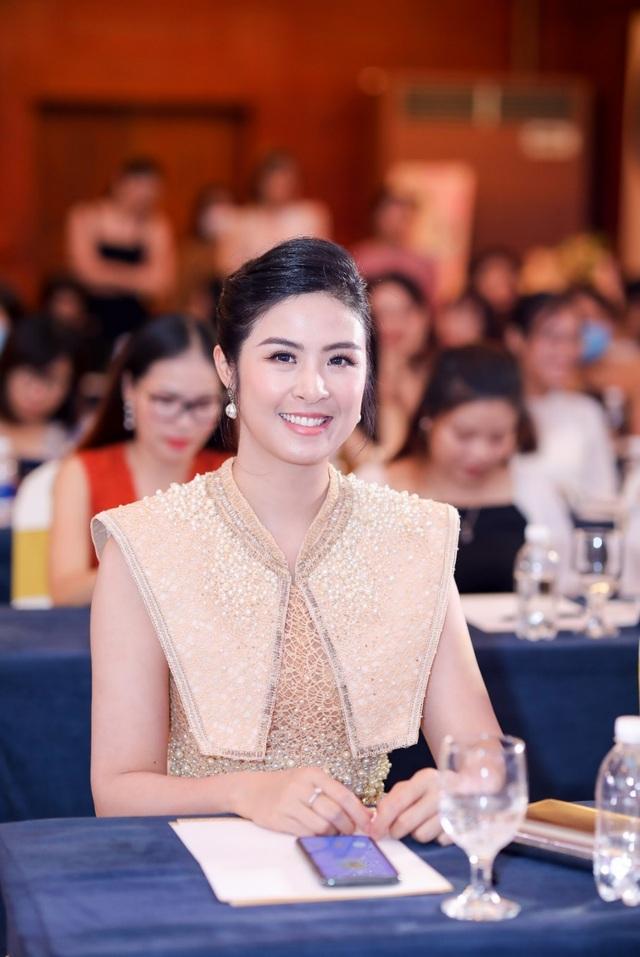 Tìm hiểu bí quyết chăm sóc da của Hoa hậu Mai Phương Thúy - 4
