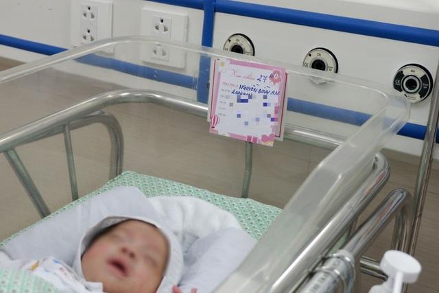Thai nhi hồi sinh sau khi bị phá bỏ ở tuần 31 xuất viện về tổ ấm mới - 3