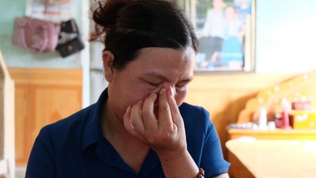 Đau nhói lòng cảnh người mẹ nghèo khóc... vì không có tiền cứu con - 4