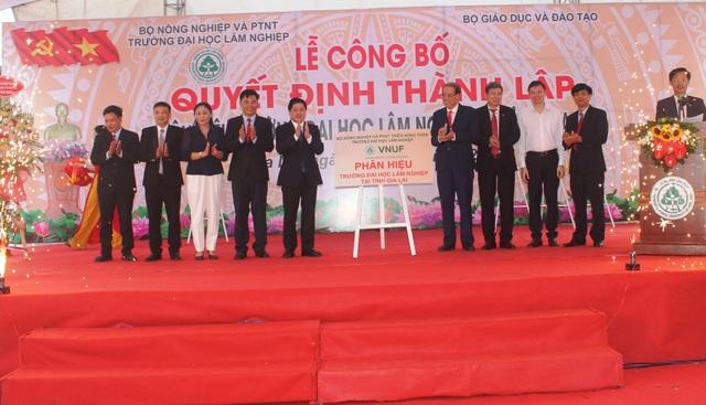 Công bố Quyết định thành lập Phân hiệu Đại học Lâm nghiệp tại tỉnh Gia Lai - 2