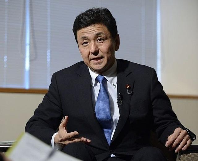 Báo Nhật: Em trai Thủ tướng Abe sẽ trở thành tân bộ trưởng quốc phòng - 1