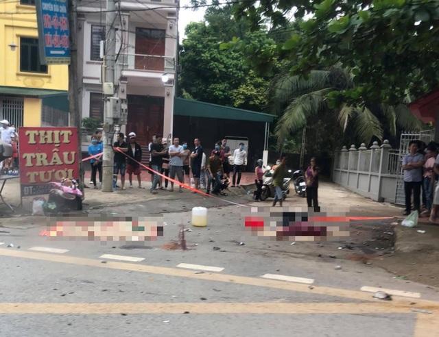3 phụ nữ trẻ đi xe máy cùng tử nạn sau va chạm với ô tô - 1