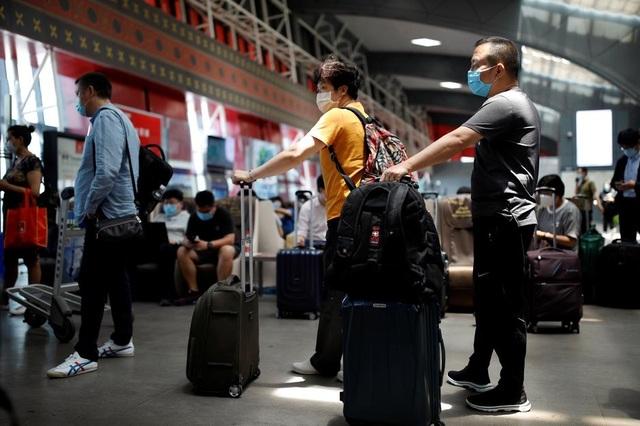 Mỹ khuyến cáo người dân cân nhắc đi lại tới Hong Kong - 1