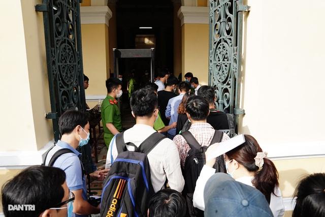 Toàn cảnh buổi đầu tiên xét xử ông Nguyễn Thành Tài và đồng phạm - 1