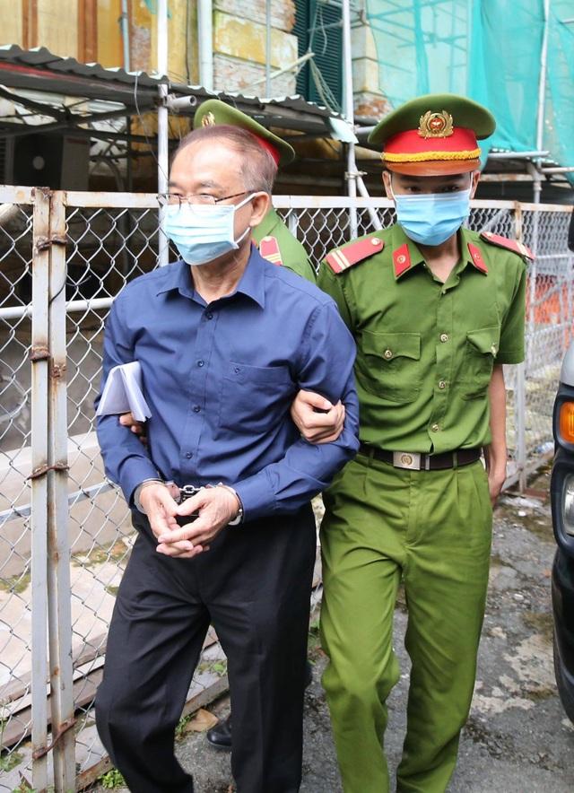 Cựu Phó Chủ tịch TPHCM Nguyễn Thành Tài hầu tòa - 2