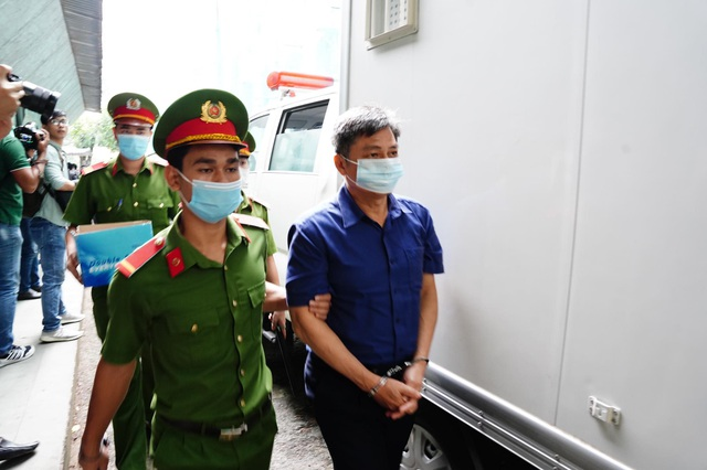 Cựu Phó Chủ tịch TPHCM Nguyễn Thành Tài hầu tòa - 7