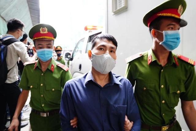 Cựu Phó Chủ tịch TPHCM Nguyễn Thành Tài hầu tòa - 8