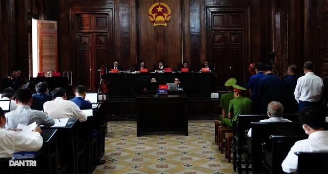 Toàn cảnh buổi đầu tiên xét xử ông Nguyễn Thành Tài và đồng phạm - 15